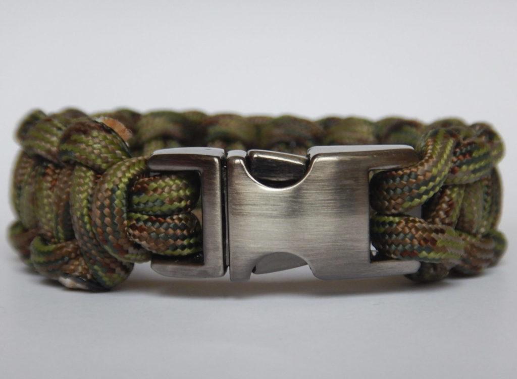 Forest Camo Couleurs Bracelet Sling avec cuir joug
